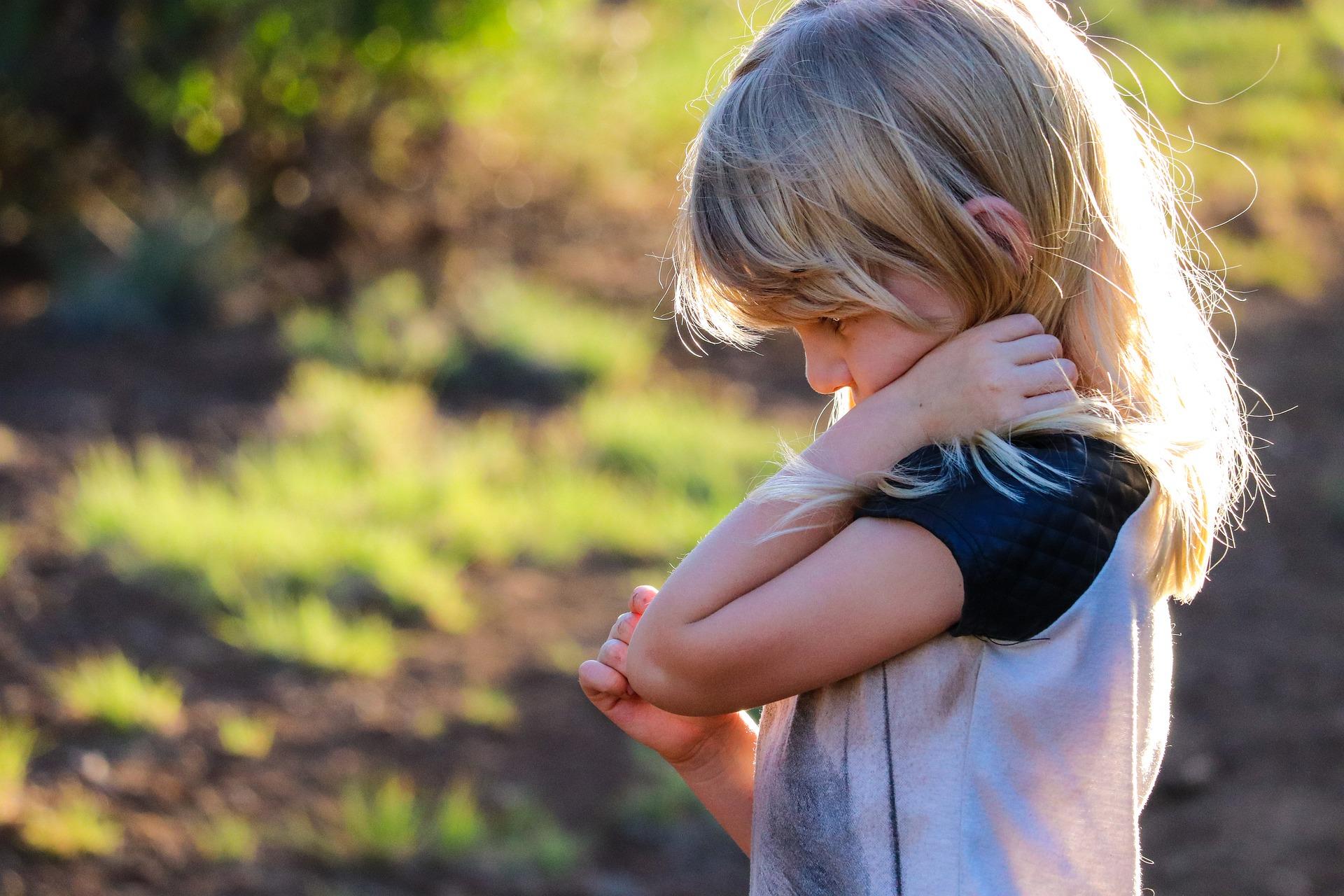 Morte di una persona cara: come aiutare i bambini